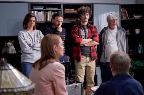 'La que se avecina' desluce el estreno de 'La Voz Senior'